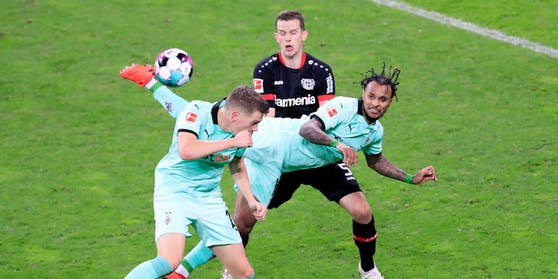 "Highlight: Lazaro traf gegen Leverkusen per ""Scorpion-Kick""."