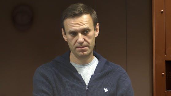 Um Nawalnys Gesundheitszustand steht es so schlecht, dass seine Ärzte warnen, er könne jeden Moment sterben. Das wollen die USA nicht hinnehmen.