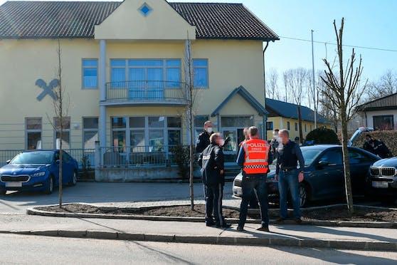 Banküberfall in Rainbach im Innkreis.