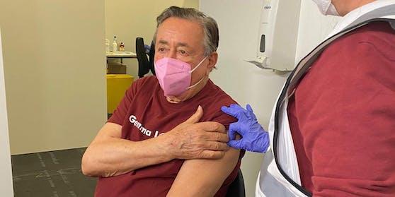 Richard Lugner wurde gegen Corona geimpft