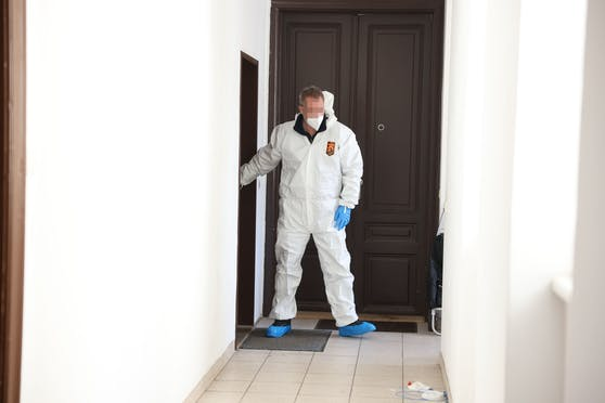 Mord in Favoriten: Spurensicherer am Tatort