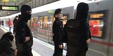 Maskierte zerren Frau aus U-Bahn – das steckt dahinter