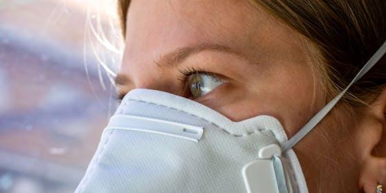 Ein Großteil der Befragten ist für eine Maskenpflicht in Öffis.