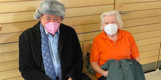 Richard Lugner –die Dame neben ihm ist nur einen Tag jünger als er.