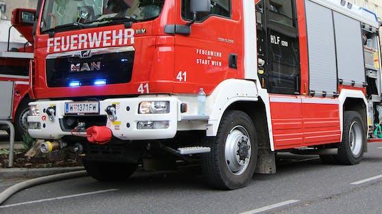 Fahrzeuge der Wiener Berufsfeuerwehr im Einsatz. Symbolbild