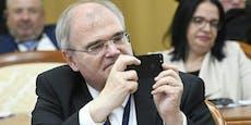 Nach Handy-Razzia: Ex-Minister Brandstetter im Spital