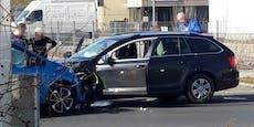 Crash in Wien mit zwei Verletzten - Straße gesperrt
