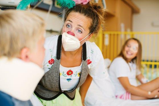 """Marie Miklau schlüpft schon seit 10 Jahren in die Rolle der Clownin: """"Dr. DI Dagmar"""""""