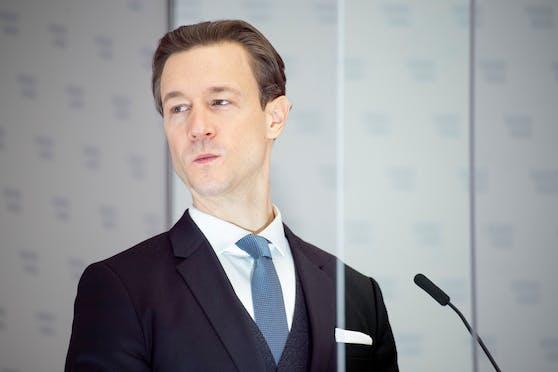 Finanzminister Gernot Blümel (ÖVP) bei einer Pressekonferenz am 18. Februar 2021