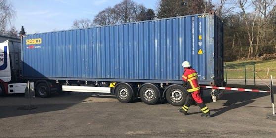 Der Übersee-Container wurde abgesperrt.
