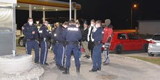 "Polizei sprengt ""Corona-Treff"" an Tankstelle"