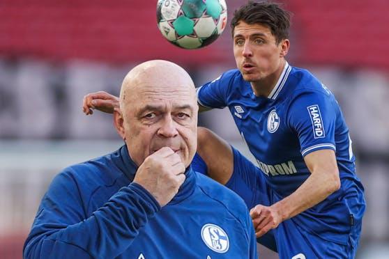 Schake-Trainer Christian Gross (l.) konnte sich Alessandro Schöpf nicht merken.