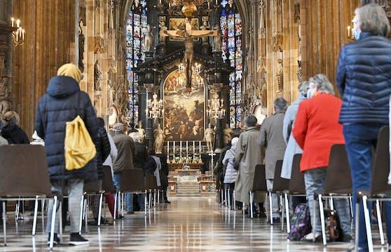 Gottesdienste dürfen wieder starten – mit strengen Sicherheitsvorkehrungen. Symbolbild.