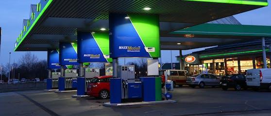 Eine Tankstelle in Wien.