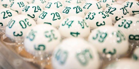 Zwei Spieler tippten die richtigen Lotto-Zahlen.