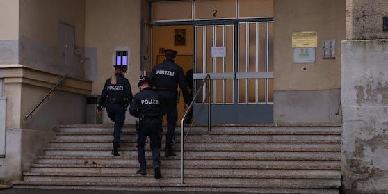 Ermittlungen: Polizei am Tatort in Wien-Favoriten