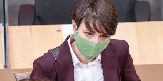 Grünen-Klubobfrau Sigrid Maurer bei einem Plenum des Nationalrats am 21.12.2020