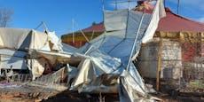 """Auch das noch! Sturm zerstörte Zelt vom """"Cinema Circus"""""""