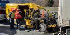 Paketzusteller hatte bei Crash mit Lkw keine Chance