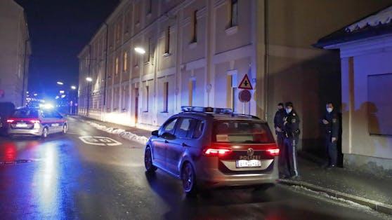 Die Polizei rückte aus und nahm den Mann fest.