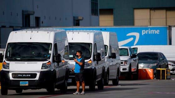 Fahrer von Lieferwagen des Online-Versandhändlers Amazon in den USA sollen künftig bei ihrer Arbeit gefilmt werden.