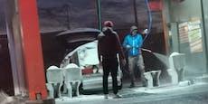 Burgenländer putzen Klos in Autowaschanlage