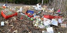 Medikamente, Essen und Müll auf Parkplatz entsorgt