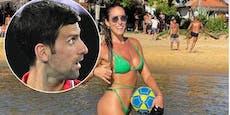 Sie will Djokovic beim Spielen im Sand helfen