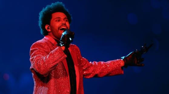 """The Weeknd ist mit """"Blinding Lights"""" von 2019 nach wie vor in den Top 10 der """"Billboard Hot 100"""" vertreten."""