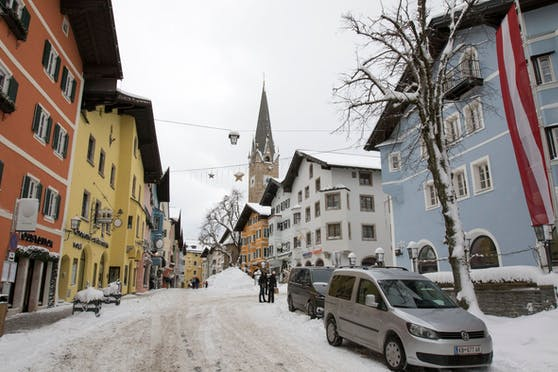 Blick auf die Innenstadt von Kitzbühel, Tirol. Aufgenommen am 14. Jänner 2021