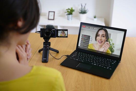 Neues Firmware-Update für die ZV-1 ermöglicht Video- und Audio-Livestreaming in hoher Qualität.