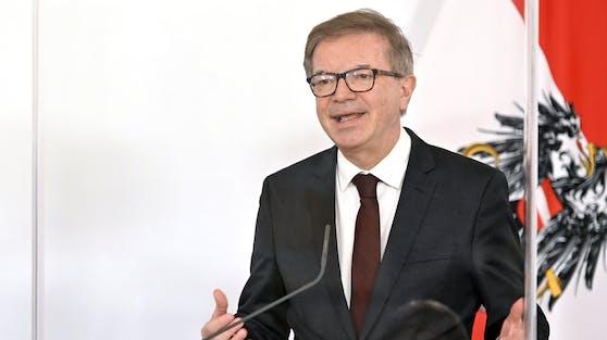 Gesundheitsminister Rudolf Anschober im Rahmen einer Pressekonferenz.