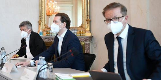 Gesundheitsminister Rudolf Anschober, Bundeskanzler Sebastian Kurz und Vizekanzler Werner Kogler