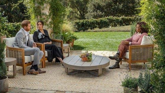 Mit Talkqueen Oprah Winfrey (re.) sprechen Prinz Harry und Herzogin Meghan in wenigen Tagen in einem Mega-Interview über ihr neues Leben.
