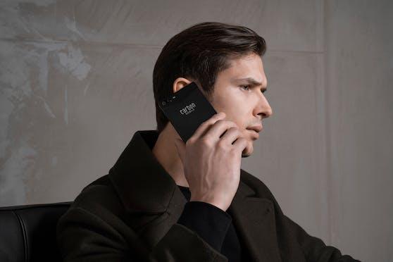 Carbon Mobile bringt mit dem Carbon 1 MKII das weltweit erste Smartphone aus Karbon auf den Markt.