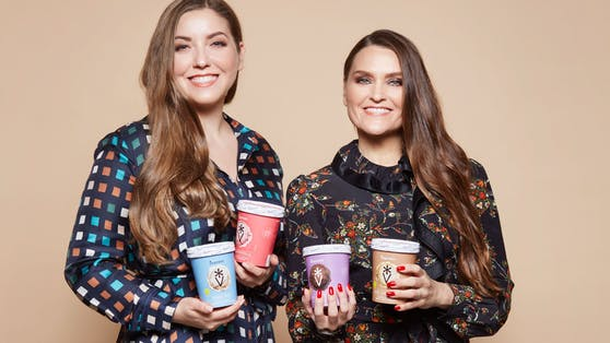 Die Schwestern Cecilia Havmöller und Susanna Paller von Veganista sind aus Not unter die Eisverkäufer gegangen.