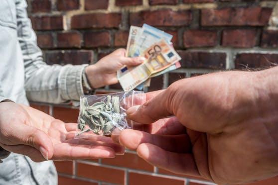 Der 24-Jährige verkaufte Drogen an bis 150 Personen.