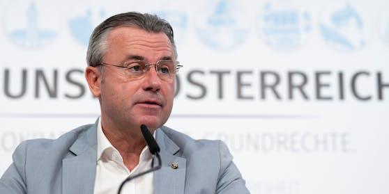 FPÖ-Chef Norbert Hofer bei einer Pressekonferenz