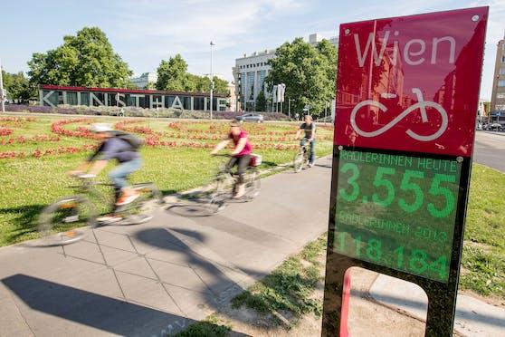 Die Fahrradzählstelle beim Esperantopark beim Wiener Karlsplatz.