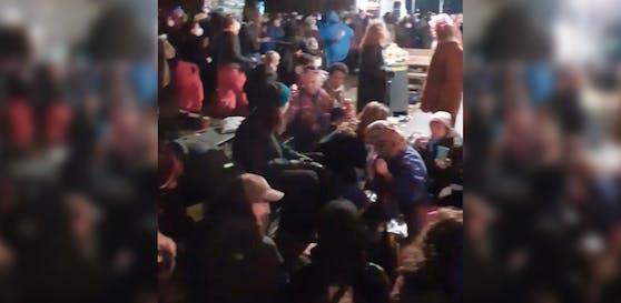 Die Demo am 8. März endete im Sigmund-Freud-Park.