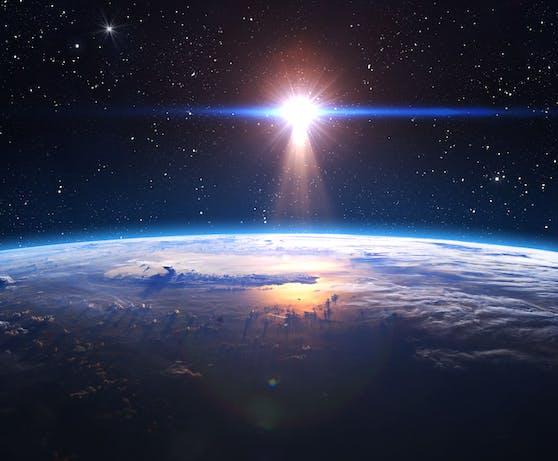 In einer Entfernung von nur 26 Lichtjahren haben Wissenschaftler eine Super-Erde gefunden.