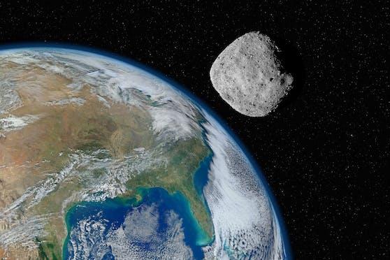 DerAsteroid 2015 BY310 kommt alle zwei Jahr an der Erde vorbei.