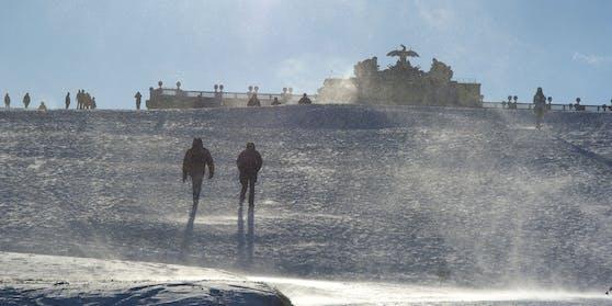 Der Winter feiert in Wien sein Comeback: Liegt die Gloriette bald wieder unter einer Schneedecke?