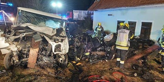 Großeinsatz nach einem tödlichen Verkehrsunfall bei Geistthal-Södingberg, Bezirk Voitsberg, am 13. März 2021.