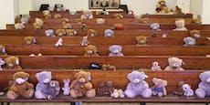 Teddybären statt Baby-Elefanten in Kirche