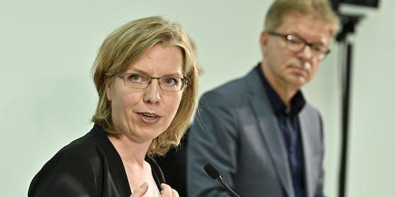 Klimaschutzministerin Gewessler vertritt seit einigen Tagen den erkrankten Gesundheitsminister.