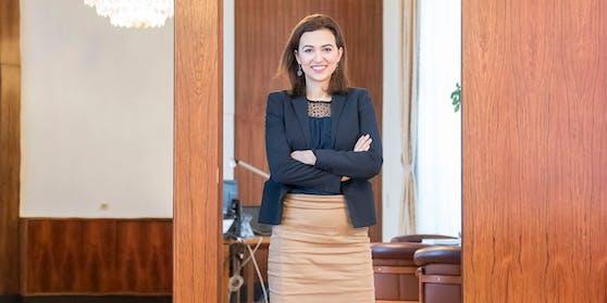 Alma Zadić wird noch im März zurück im Amt sein.