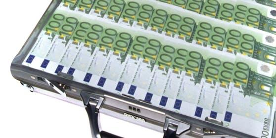 Ein Koffer voller Euro-Banknoten. Symbolbild