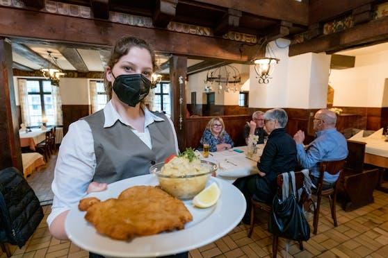 Lockdown-Ende in Österreich: Im Mai werden alle Bereiche - auch die Gastro - wieder hochgefahren.