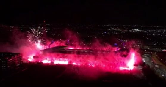 Das Feuerwerk am Montag war eindrucksvoll, aber leider nicht erlaubt.